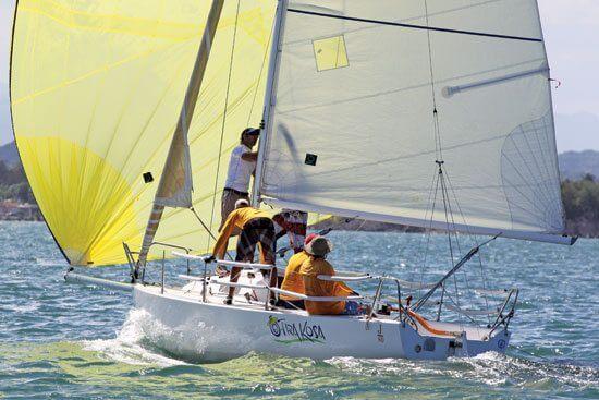 Otra Kosa sails in the CSA Spinnaker Class. Photo: Carlos Lee