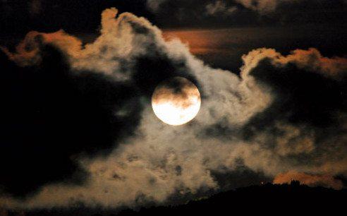 Moon-1tw