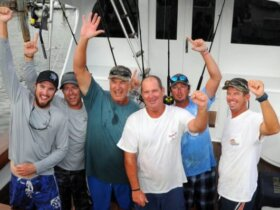 Photo: Team Wave Paver L to R: Ryan House, Jason Parker, Jr. Davis (Top Angler), Scott Glasscock, Jerry Owens and Capt. Jason Sinclair. Credit: Dean Barnes