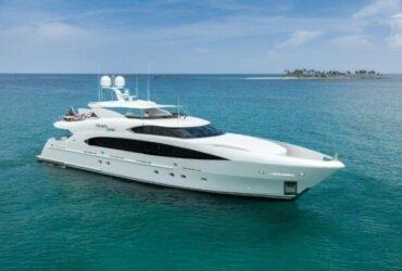 Trinity Yachts, FINISH LINE, Hull T-058, Profile