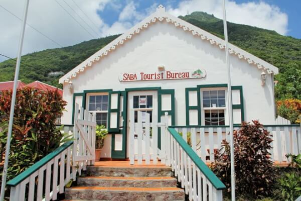 The tourist bureau is housed in a typical Saba cottage. Photo by the Editor
