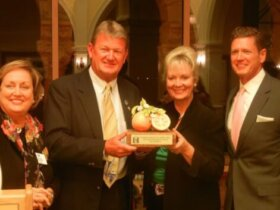 (Left-to-Right) Patsy Woodroffe, Chairman of Education Committee; Dr. Guy Harvey, 2013 Florida House Distinguished Artist; Cindy O¹Connell, Chairman of the Florida House; Harvey Oyer, III, 2013 Florida House Distinguished Author.