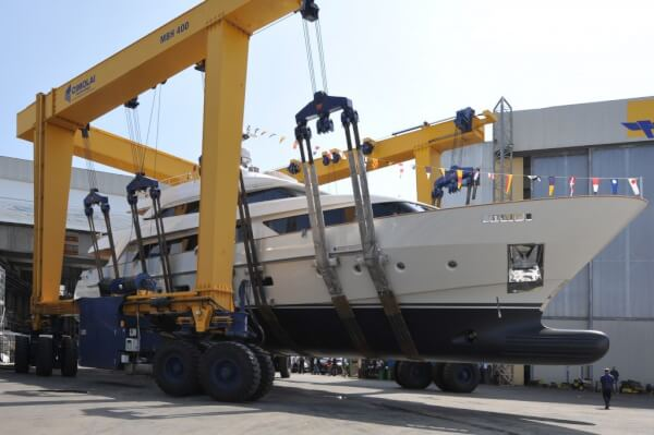 """Sanlorenzo has just launched """"O"""", the first SD112 unit – a 33.6-meter semi-displacement motoryacht in composite material, made to measure according to the tastes and the style of her owner"""