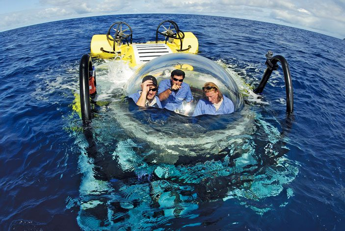 SEAmagine's 3 Person submarine at surface starting its descent in Costa Rica to a diving depth of 470 meters. Photo: Undersea Hunter Group