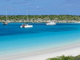 http://www.bahamas. co.uk/things-to-do/bahamas-Cruising the Ragged Islands: Johnson Cay. Photo by Rick Caroselli