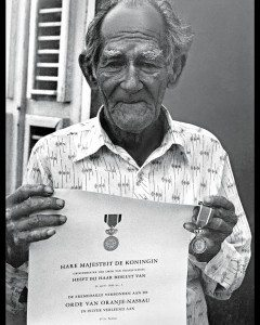 Sailors of the Past: Ellis 'Etche' Craane proudly holding his document of Knighthood