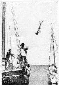 Sailors of the Past: Kralendijk, Bonaire: Endeavor and Mayflower with airborne crew