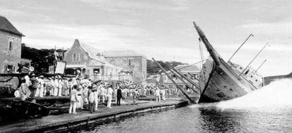 Sailors of the Past: The year is 1917 and Hollandia is launched in Anna Bay, Curaçao