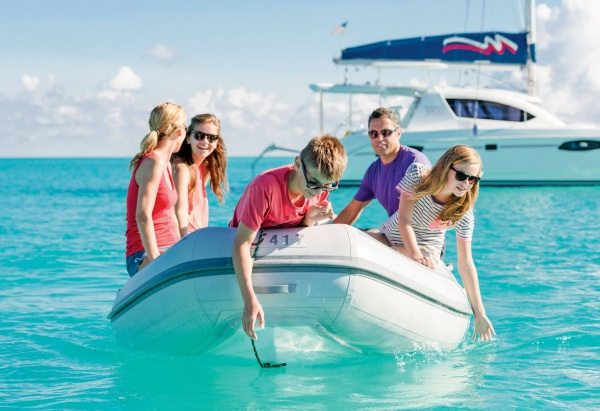 Charter Caribbean: Bahamas – Treasure Cay. Photo courtesy of The Moorings