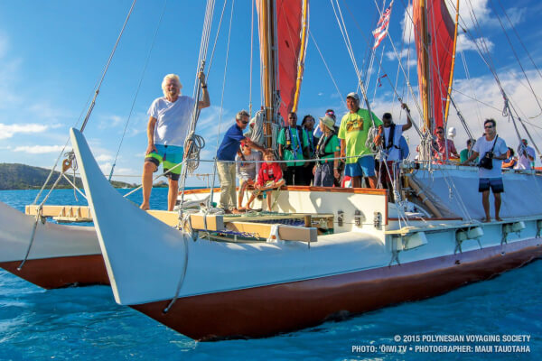 Hokulea BVI : Sir Richard Branson tours the BVI aboard Hokulea during its visit to the territory