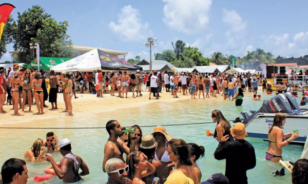 powerboating events : The SXM Poker Run hits the beach