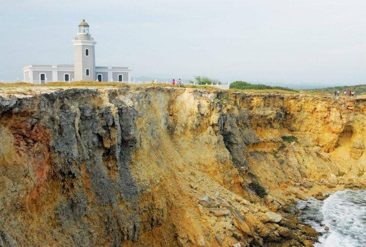Caribbean lighthouses : Faro Los Morrillos de Cabo Rojo, Puerto Rico. Photo: Dean Barnes