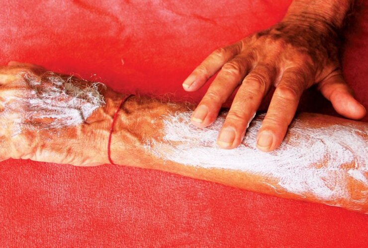 Depending on the type of sunscreen you use, mopping it on might be good for you but not for the environment. Photo: OcceanMedia