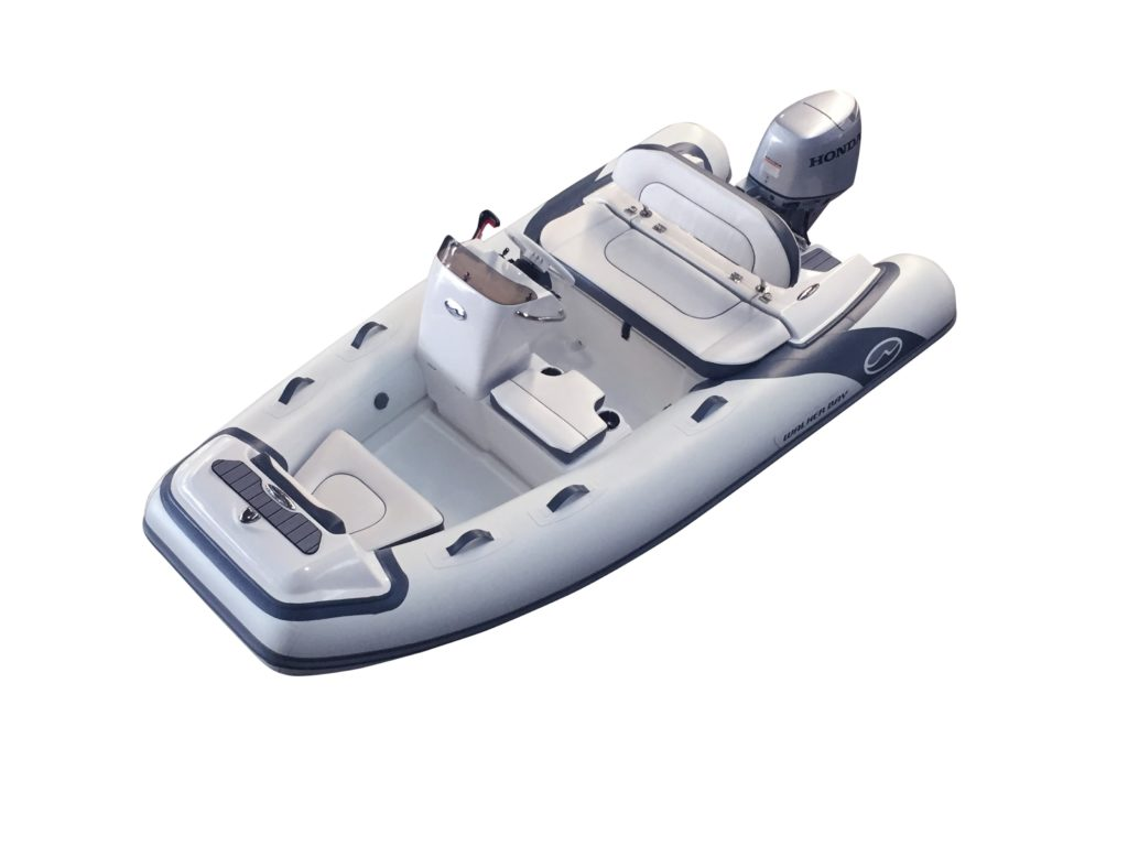 There are two versions of the boat available, the Base standard version and a Deluxe (DL) version that includes more classic features from the Generation series.
