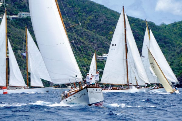 Action at the inner mark during the Cannon Course race. Photos by Jan Hein