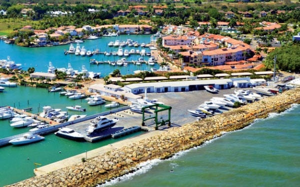 The new 330st Travelift will work alongside the existing lift at Marina Casa de Campo