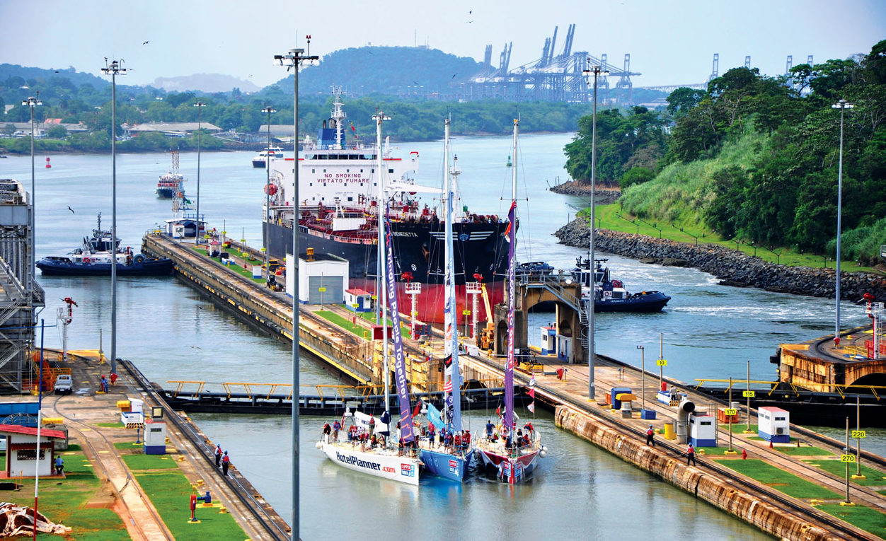 The Panama Canal not only serves big ships. On the first of June three boats of the Clipper 17-18 Round the World Race made the passage. Here seen in the Miraflores Locks on the Pacific side. Photo by Els Kroon
