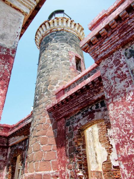 Culebra, Lighthouse up close