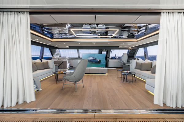 80 Sunreef Power interiors