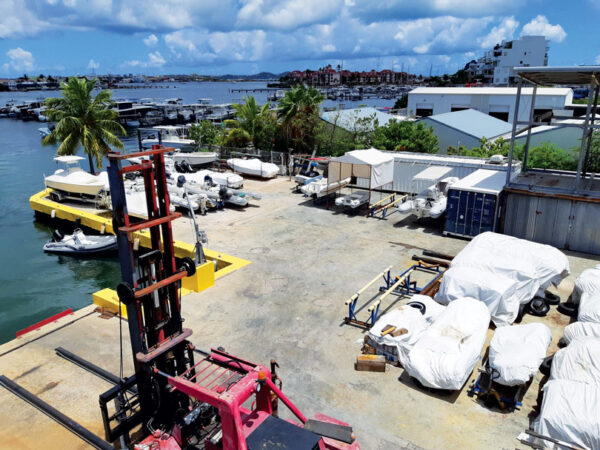 Island Water World boatyard for boat repair