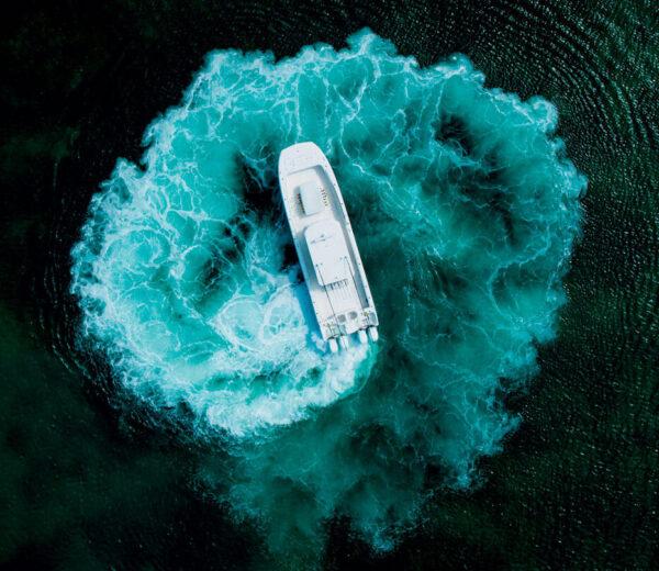 Catamaran Swirl